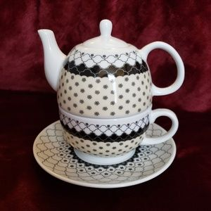 Other - TEAPOT Cup and Saucer All in One